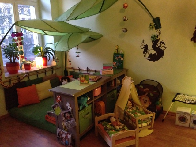 Who let the monkeys out super cozy jungle themed kids for Children s bedroom ideas